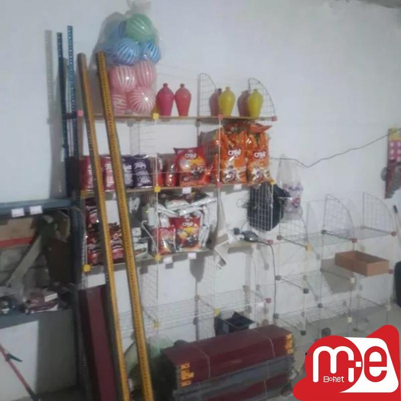 قفسه مغازه در حد نو